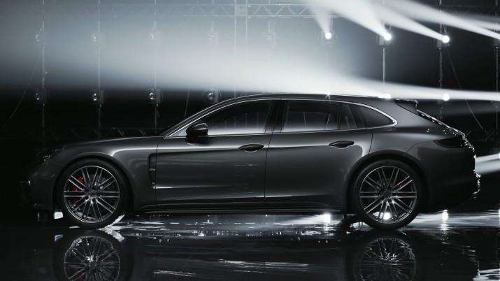 Новый Porsche Panamera Sport Turismo будет доступен для Россиян в ноябре2