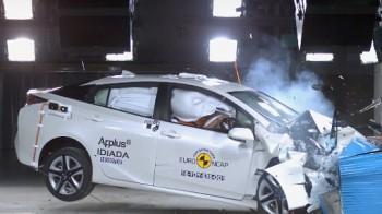 Специалисты определили самые безопасные автомобили в 2016 году