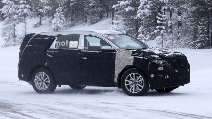 SsangYong Rexton тертьего поколения вышел на снежные тесты