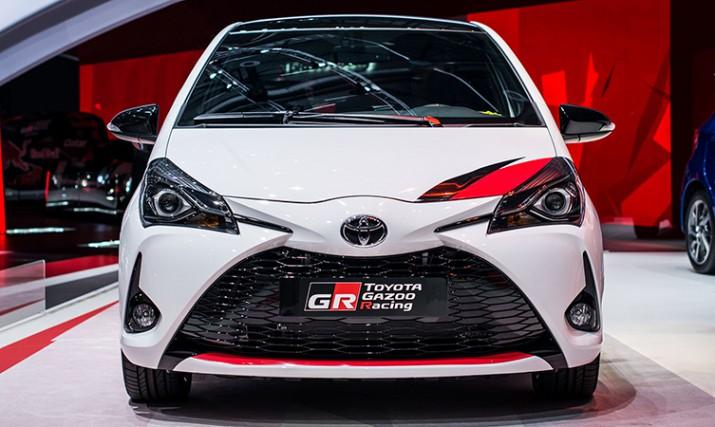 Toyota зарядила компактный хэтч Yaris и показала его в Женеве3