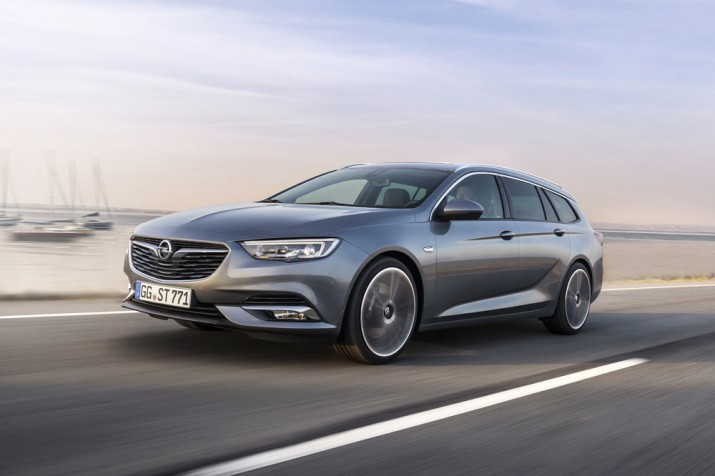 Opel Insignia Sports Tourer 2018 Фото 01.jpeg