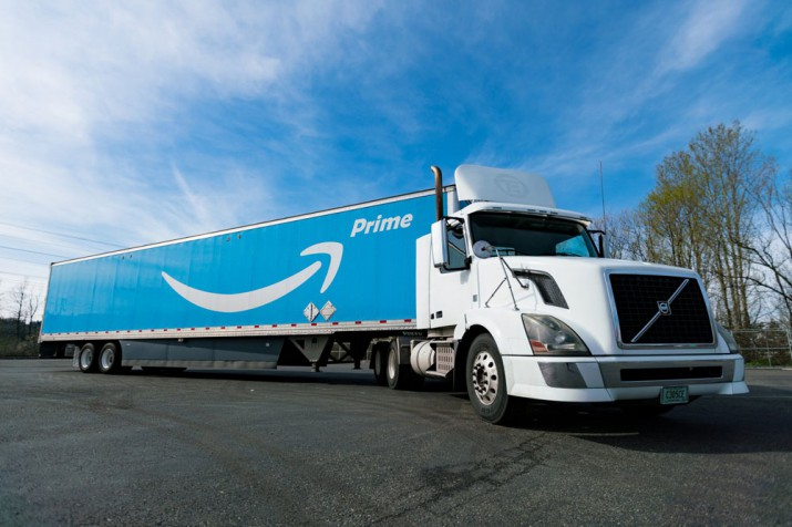Amazon грузовик Фото 01