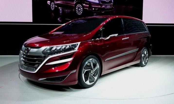 Honda Odyssey нового поколения обзавелась новым мотором и комфортными опциями для пассажиров
