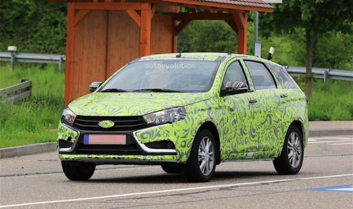 Lada Vesta SW в зеленом камуфляже замечена на тестах в Германии