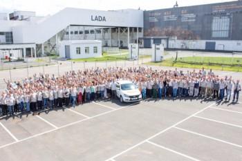 Автоваз выпустил стотысячный экземпляр Lada Vesta в Ижевске