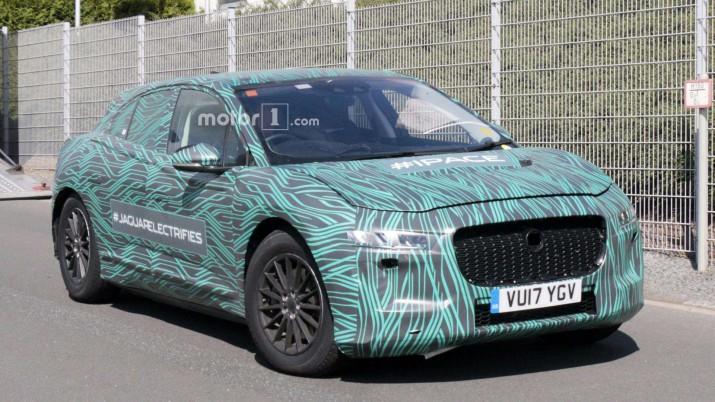 Тестовый электрокар Jaguar I-Pace заметили фотошпионы