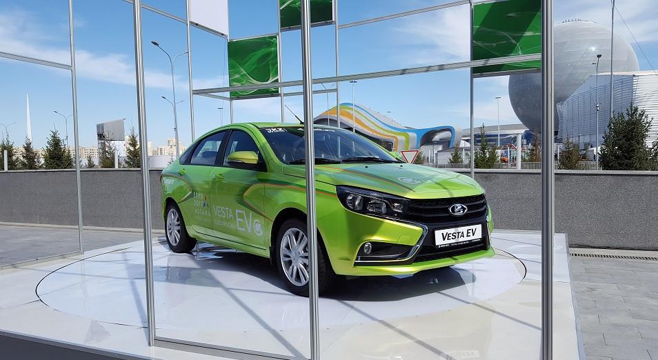 В Казахстане показали электромобиль Lada Vesta