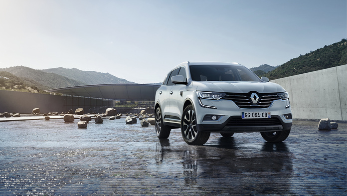 В России начали принимать заказы на Renault Koleos 2017 (2)