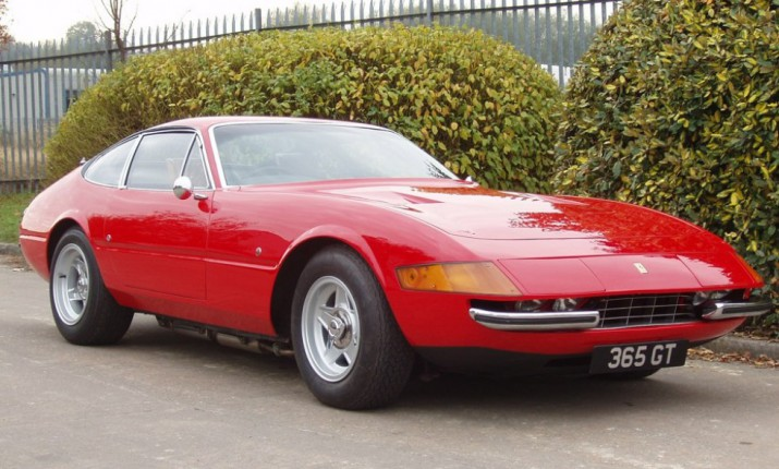 Ferrari Элтона Джона уйдёт с молотка в Сильверстоуне