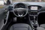 Hyundai Ioniq PHEV Великобритания 2017 Фото 05