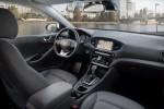 Hyundai Ioniq PHEV Великобритания 2017 Фото 09