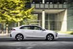 Hyundai Ioniq PHEV Великобритания 2017 Фото 11
