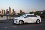 Hyundai Ioniq PHEV Великобритания 2017 Фото 14