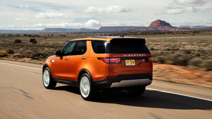 Land Rover Discovery 5 назвали лучшим автомобилем 2017 года