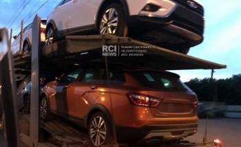 Очевидцы засняли очередную партию Lada Vesta SW Cross