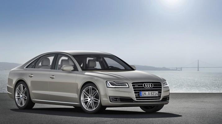 Седан Audi A8 получит модернизированную подвеску и функцию массажа ног