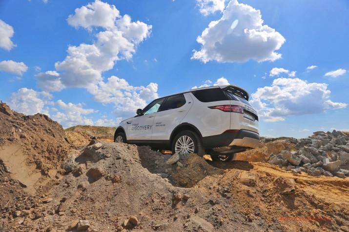 Все прелести Discovery можно оценить только там, где совсем нет дорог.