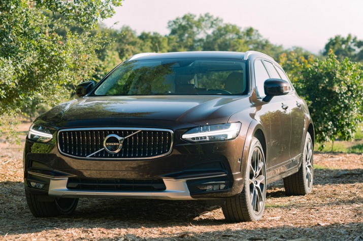 Volvo V90 Cross Country T6 AWD 2017 Фото 01