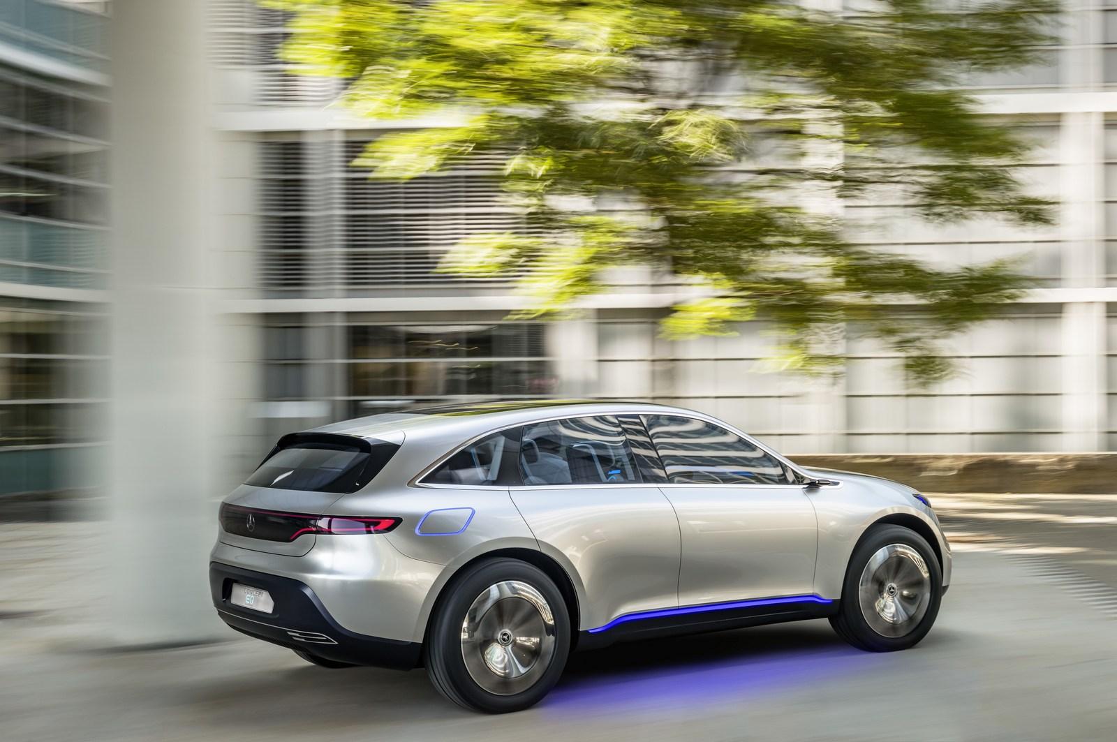 Mercedes начнет серийное производство электрических кроссоверов вСША