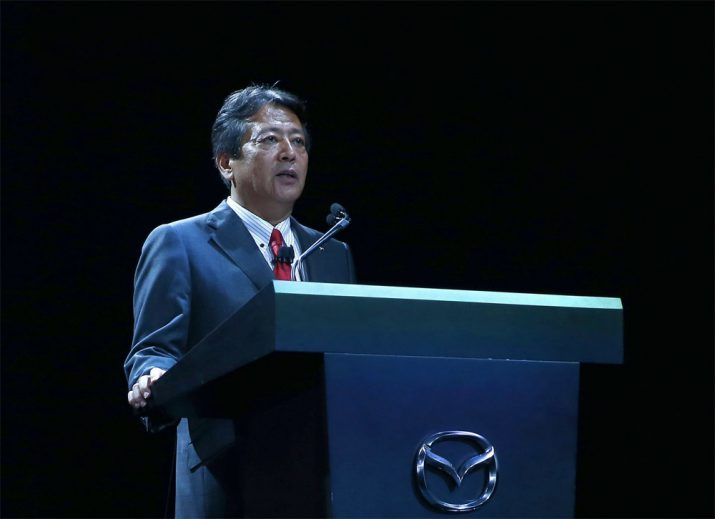 Акиру Марумото мировой президент и генеральный директор Мазда
