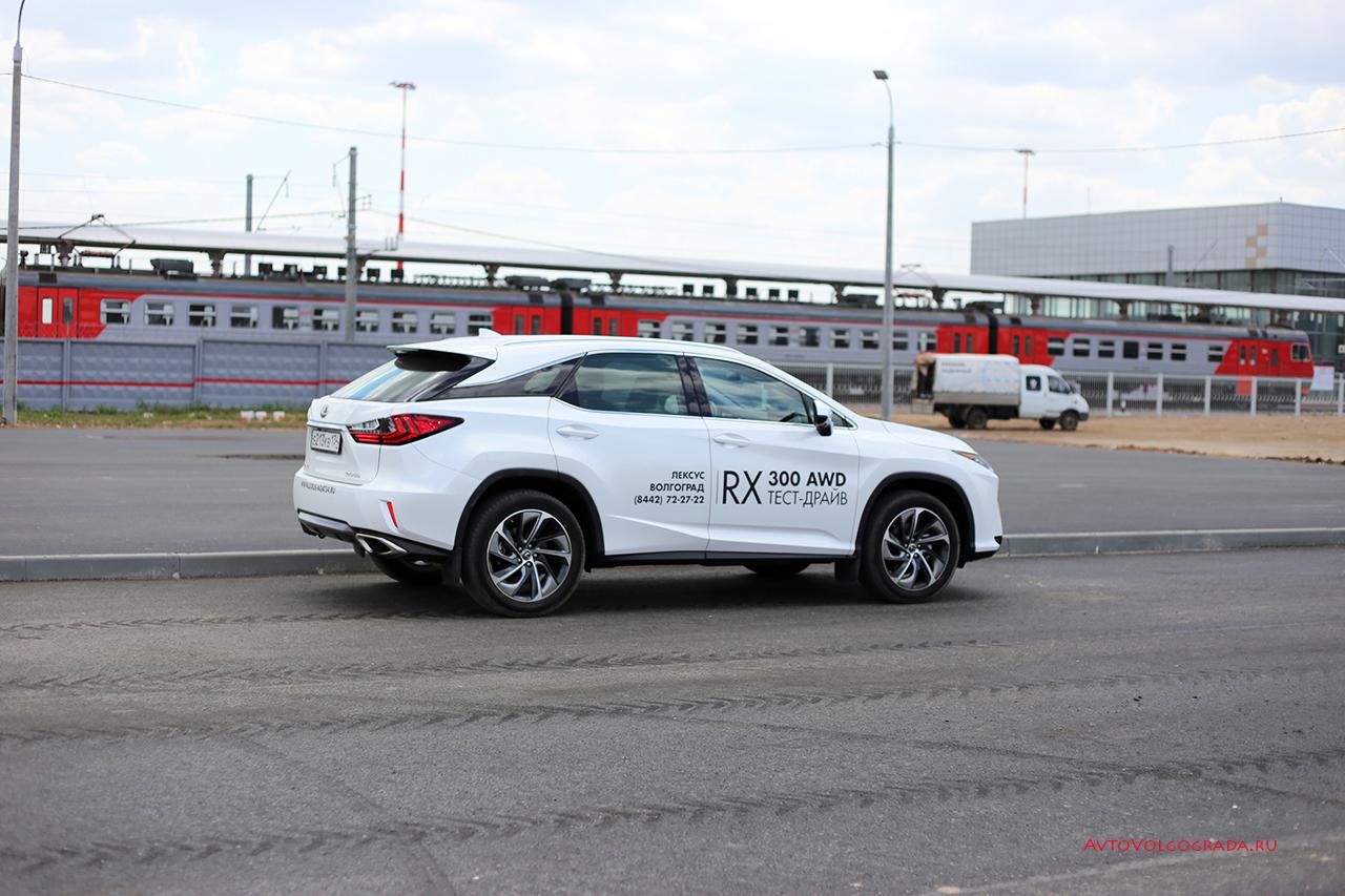 Тест-драйв Lexus RX300 с поездом