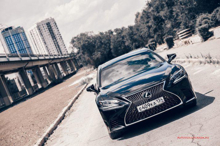 Тест-драйв Lexus LS 500 2018 года