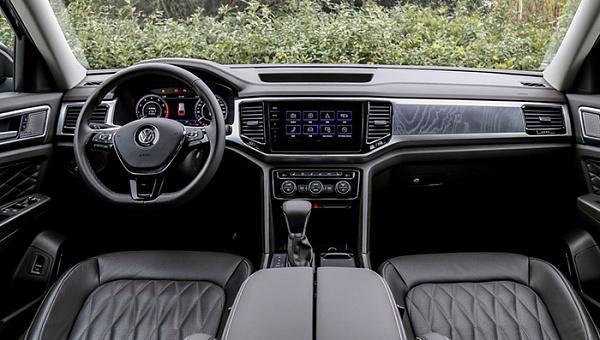 Дизайн купеобразного VW Teramont показали напервых фото