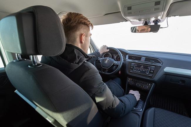 Личный водитель – прибыльный бизнес, если купить авто у официального дилера в Волгограде