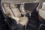 Toyota представляет минивэн GranAce Luxury MPV 2020 01