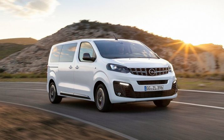 Opel-Zafira_Life-2