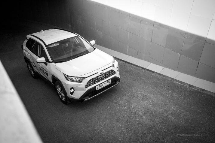 Тест-драйв Toyota RAV4 2019 Волгоград 17