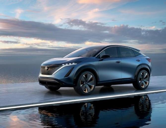 Nissan может выпустить электрический кроссовер Ariya в России