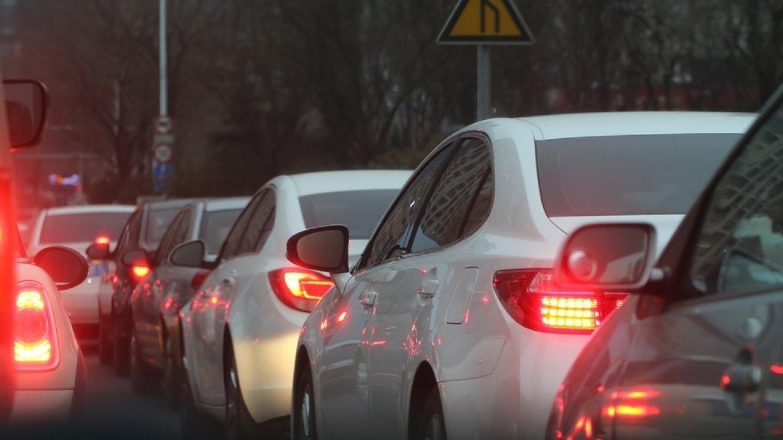 Продажи автомобилей подскочили в России в январе