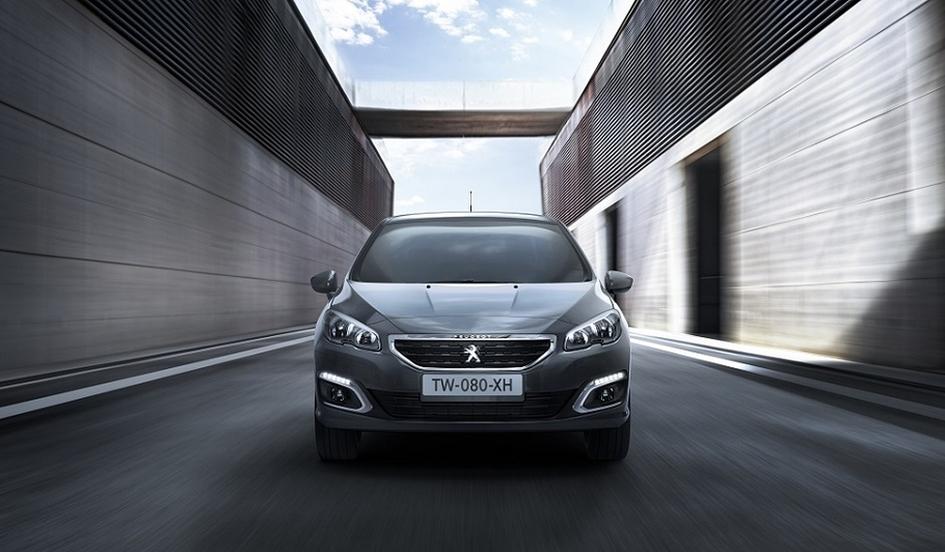 Peugeot 408 стал дороже на целых 100 000 рублей