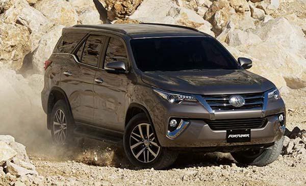 Toyota проводит испытания прототипа обновленного Fortuner