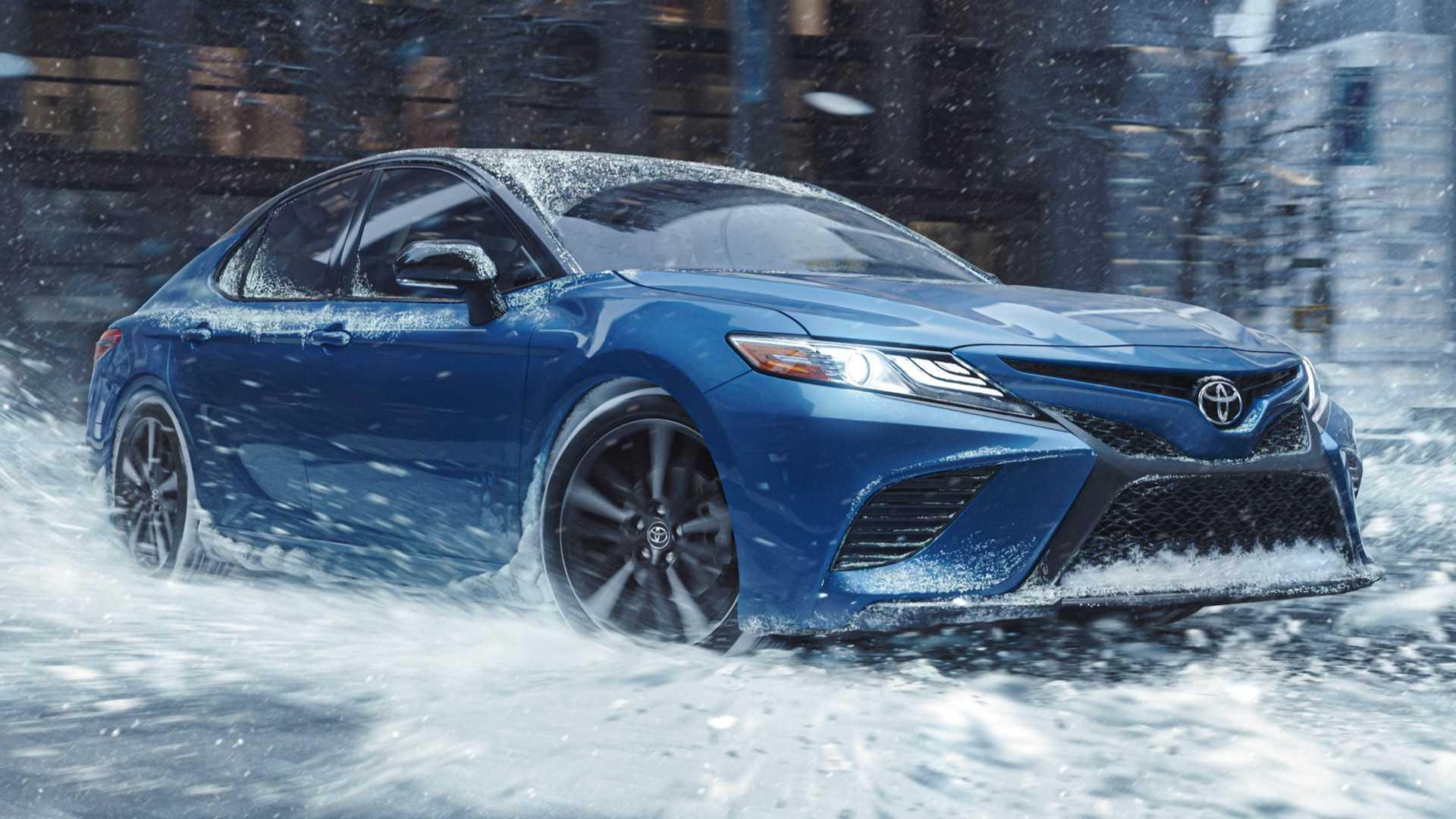 Toyota объявила цены на полноприводную версию седана Camry