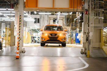 Nissan может заморозить работу своих предприятий