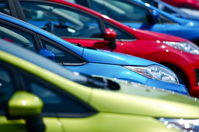В марте продажи легковых автомобилей в России увеличились на 23%