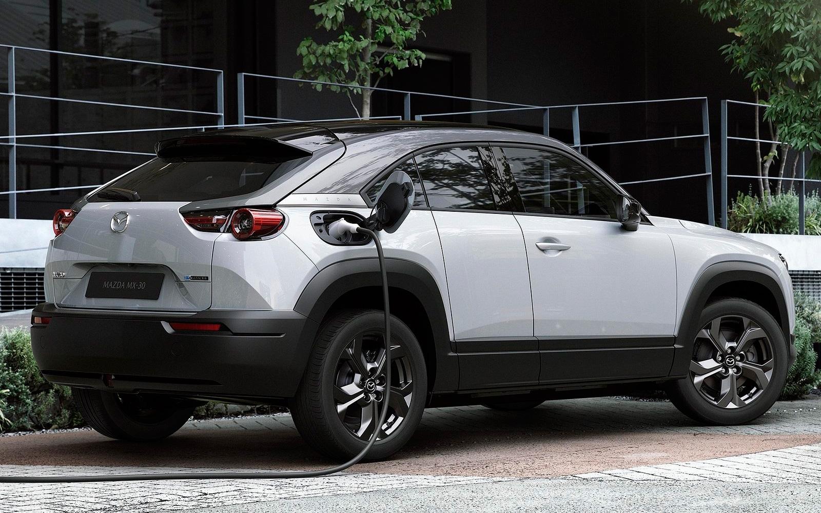 Mazda выпустит кроссовер с роторным агрегатом.