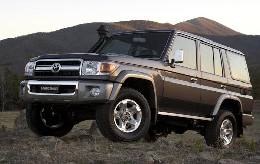 Toyota продолжает реализацию новых Land Cruiser 70 и FJ Cruiser в Арабских Эмиратах.