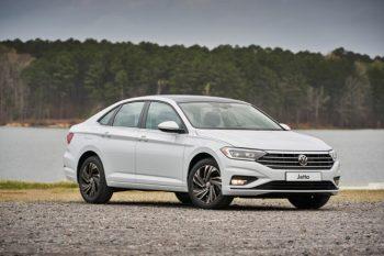 Volkswagen озвучил цены на новый седан Jetta в России