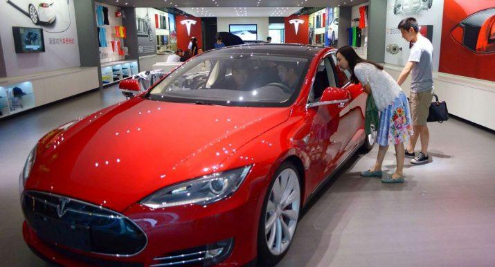 Tesla резко снизит цены на электромобили