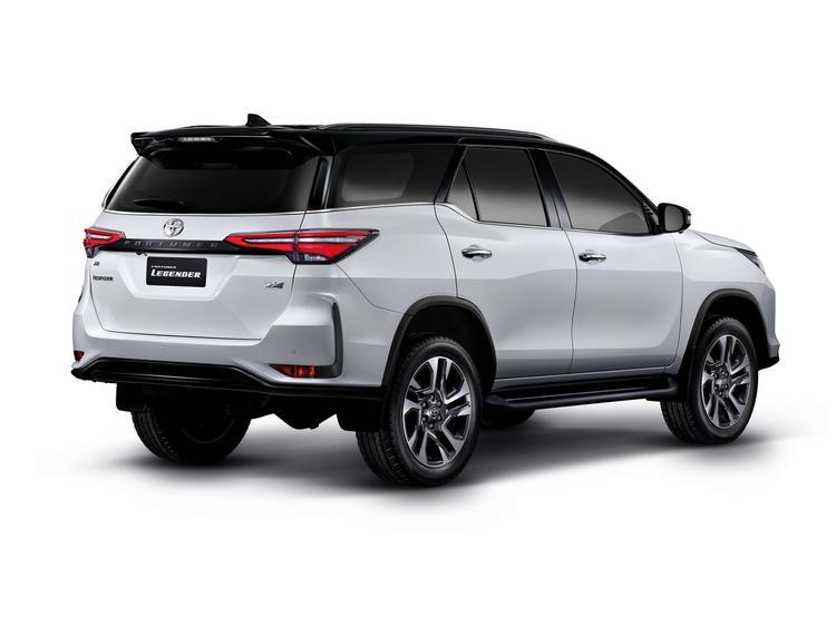 Вышел обновленный Toyota Fortuner