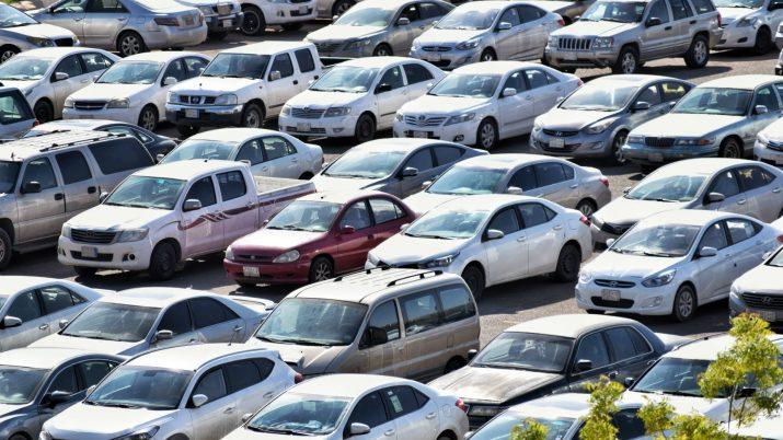 Нехватка авто коснулась и вторичного рынка в РФ