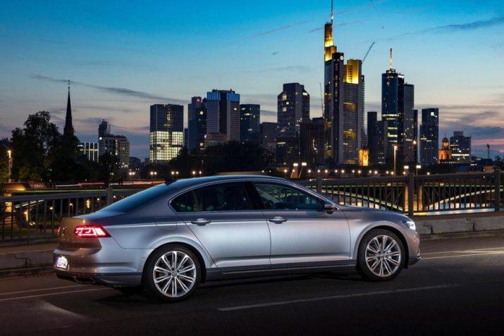 Отечественный Volkswagen Passat больше не будут оснащать двигателем объемом 2,0 литра