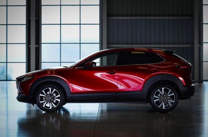 Объявлена стоимость обновлённой Mazda CX‐30 в РФ