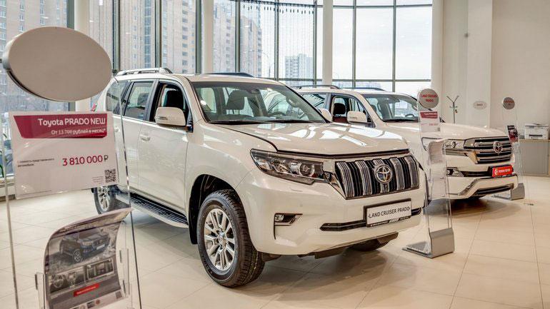 Большая часть машин Toyota в РФ стали дороже