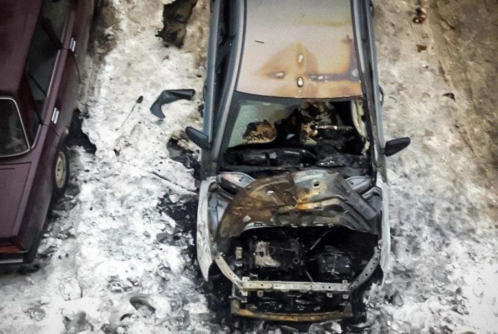 Российский автомобилист отсудил у дилерского центра более миллиона рублей за сгоревшую Lada Vesta возрастом 3 года