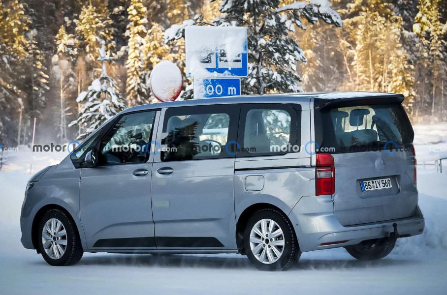 Volkswagen Multivan T7 сфотографировали во время испытаний