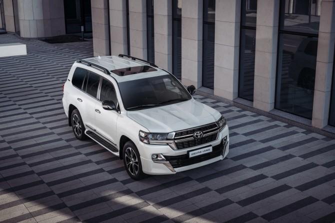 Toyota Land Cruiser – полноразмерный вседорожник с большей остаточной ценой